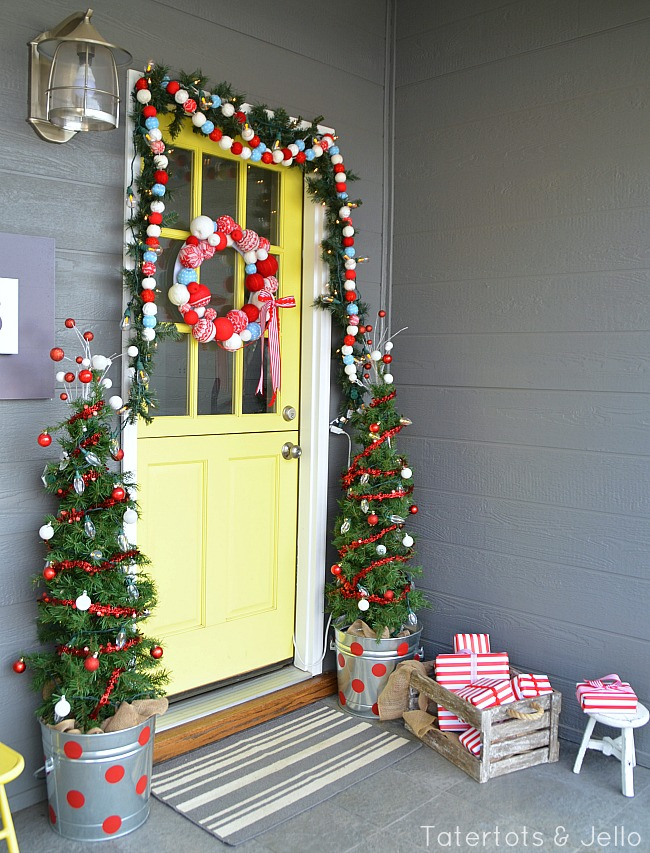 christmas porch decorating ideas at tatertots and jello