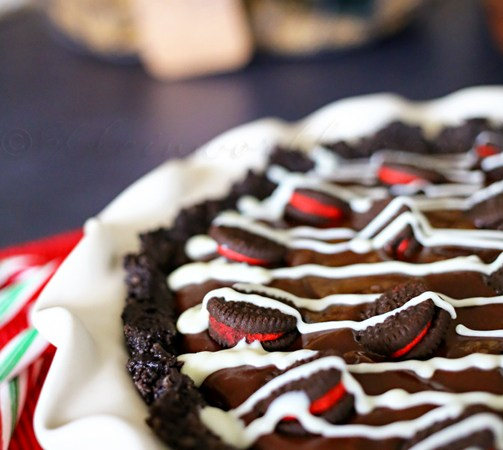 HAPPY Holidays: Candy Cane Oreo Pie