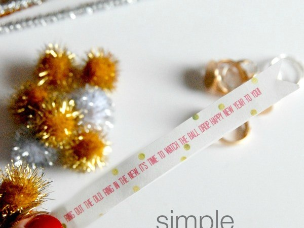 HAPPY Holidays: Simple New Year's Eve Party Favor