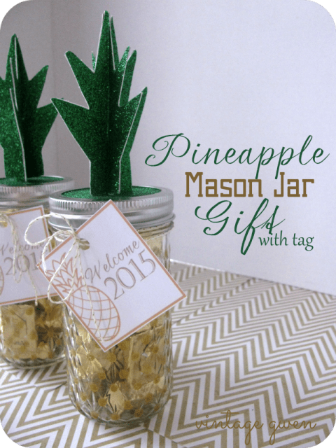 HAPPY Holidays Pineapple Mason Jar Gift With Free