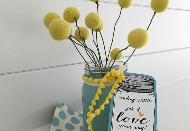 Felt Ball & Mason Jar Gift Idea [& Free Printable!]