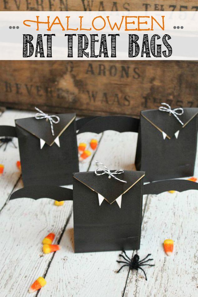 Halloween Bat Treat Bags #halloweenparty #partyfavors #battreats #halloweengift