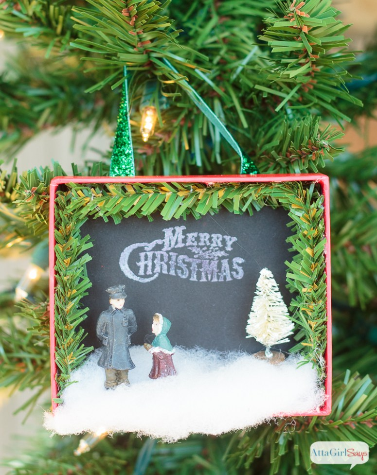 800px-diy-shadowbox-christmas-ornaments-6-1