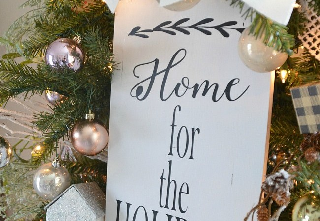 "2015 ""I'll Be Home For Christmas"" Tree and Decor!"