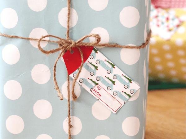 Happy Holidays: Printable Christmas Tags