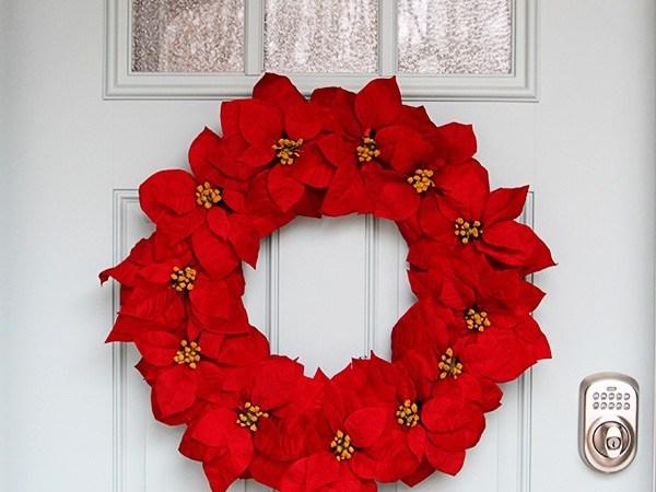 Happy Holidays: Easy Poinsettia Wreath