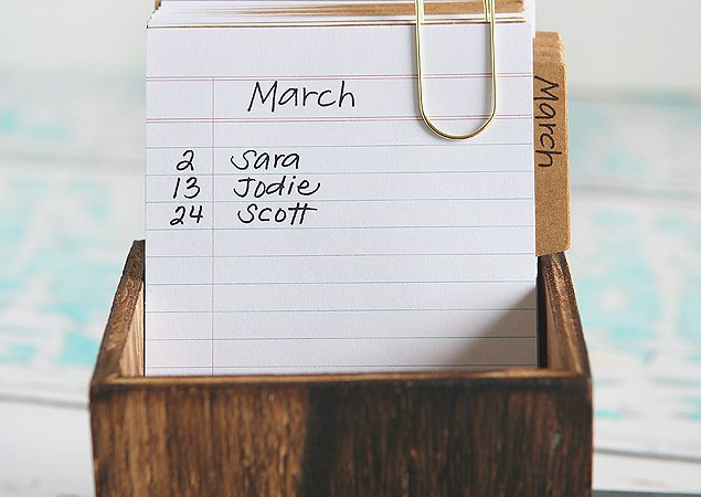 DIY Recipe Box Birthday Calendar!