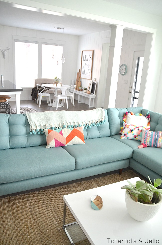 Modern Beach Farmhouse Family Room Style on