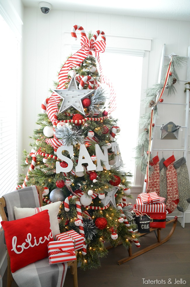 Red And White Christmas Tree Decorations Ideas.Santa North Pole Christmas Tree And Decorating Ideas
