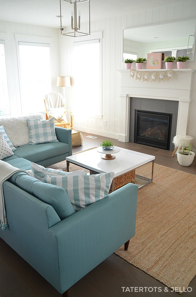 Simple Easter Spring Mantel ideas. Easy and economical ways to spruce up YOUR home for Spring!