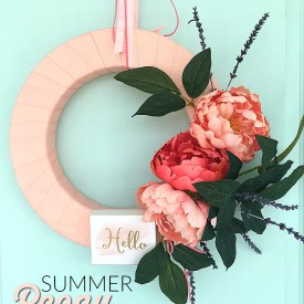 Make a 10-Minute Summer Peony Wreath