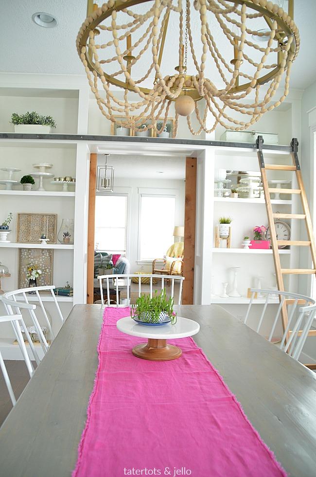 6 Shelf Styling Tips make Shelves that POP!