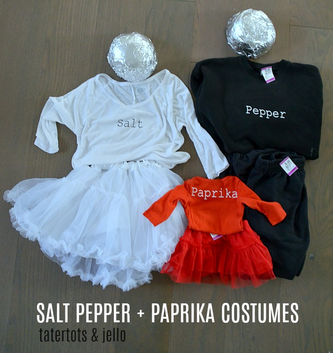 Salt, Pepper, Paprika Couples Costume + Dog! Create a costume for you and your special someone PLUS your pet! All the DIY instructions!