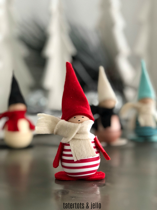 DIY eos Holiday Gnome Craft Kit -- gift this kit for a fun craft night!