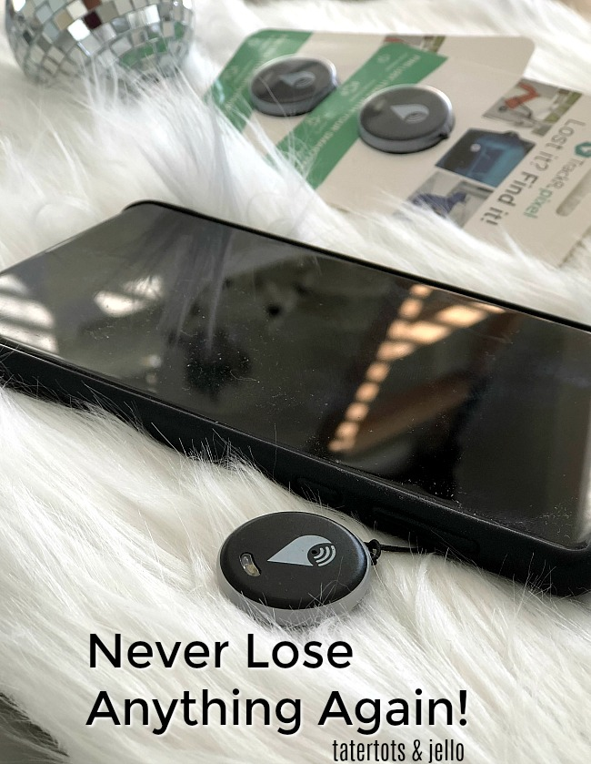 Trackr Pixel - never lose anything again. Attach it to almost anything - your phone, your dog, the remote control Your smartphone connects to the Trackr app and tracks down your item!