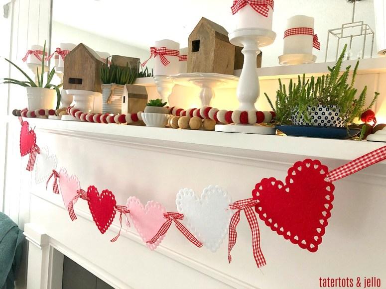 Guirlande de cœur de pétoncle en feutre à 2 $ - un projet de cinq minutes si facile à réaliser pour la Saint-Valentin!
