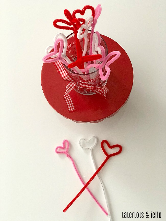 How to make pipe cleaner hearts