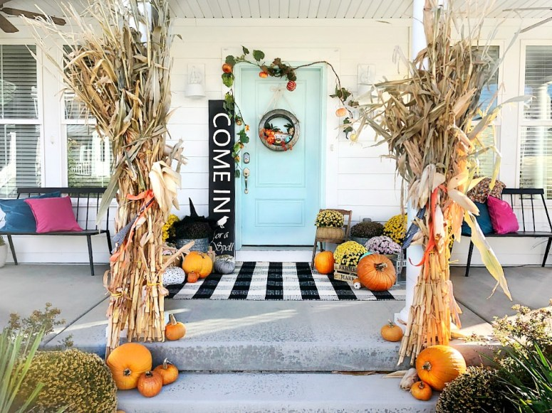 Make a GIANT Witch Halloween Sign! Pick up an inexpensive pine shelf from the hardware store and create a GIANT sign for just a few dollars. Find out how!