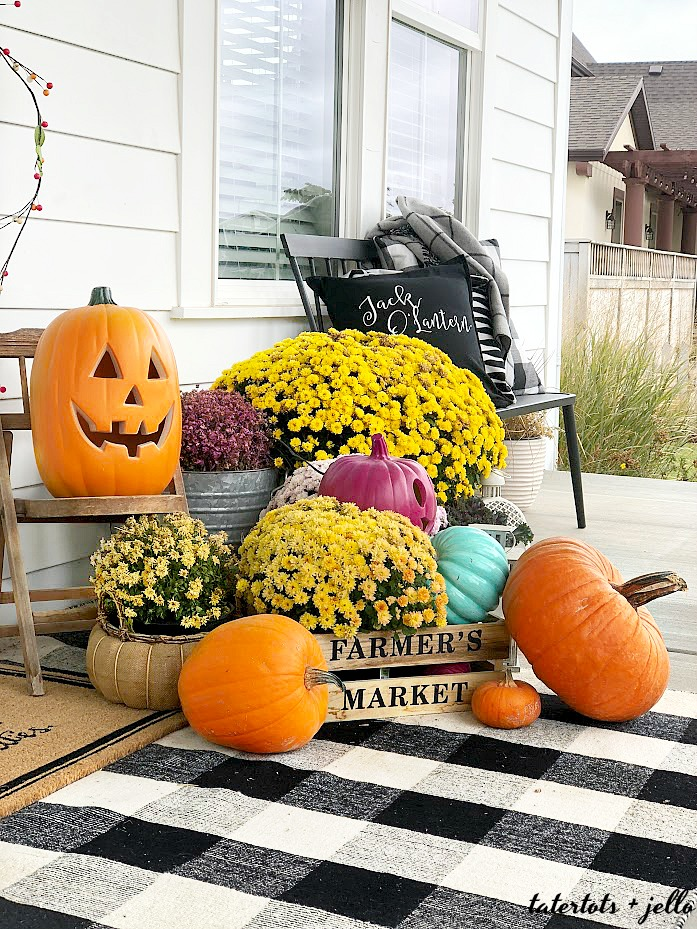 how to create a theme Halloween porch with DIY projects