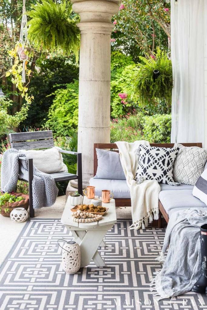 Black and White Fall Porch Decorating Ideas @ Maison de Pax