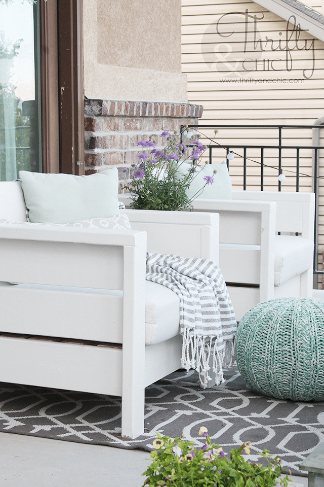 DIY Outdoor Chairs @ Thrifty and Chic