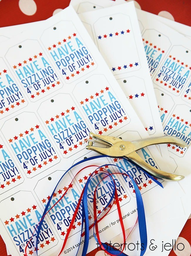 Free Patriotic Tags to print out for the Fourth of July!