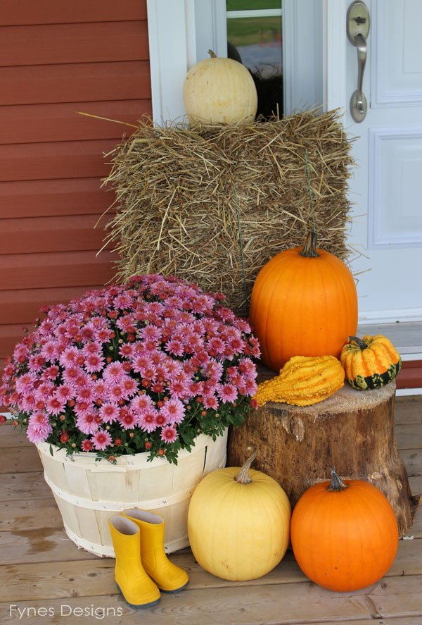 Fall Porch Decorating Idea @ Fyne Designs
