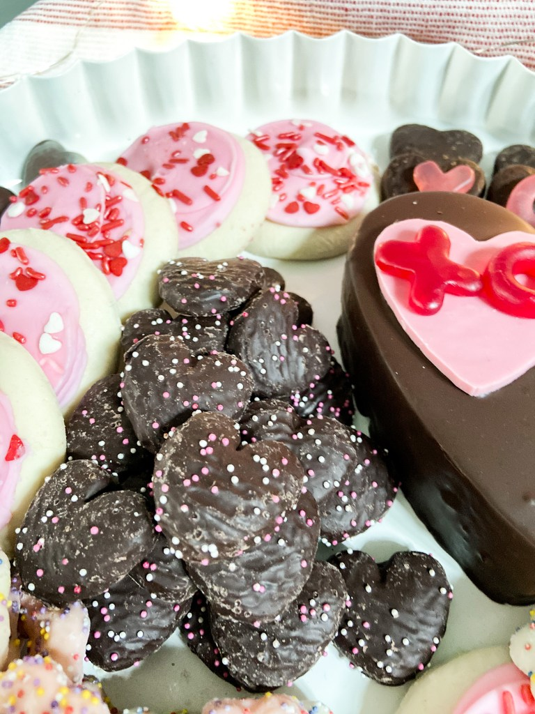 10-minute valentine's sweetheart charcuterie board. Delight your loved ones with a sweet take on the traditional charcuterie board by creating a sweetheart dessert board in just 10 minutes.