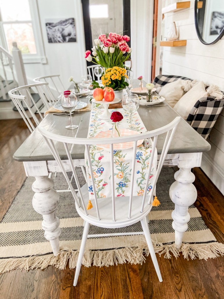 Colorful Boho Cottage Spring Tour. Bring color to your farmhouse or cottage home with these easy colorful Spring ideas!