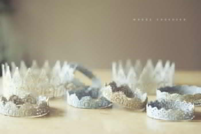 Make Lace Glitter Crowns! These sweet lace crowns are perfect for photo props or birthday parties.