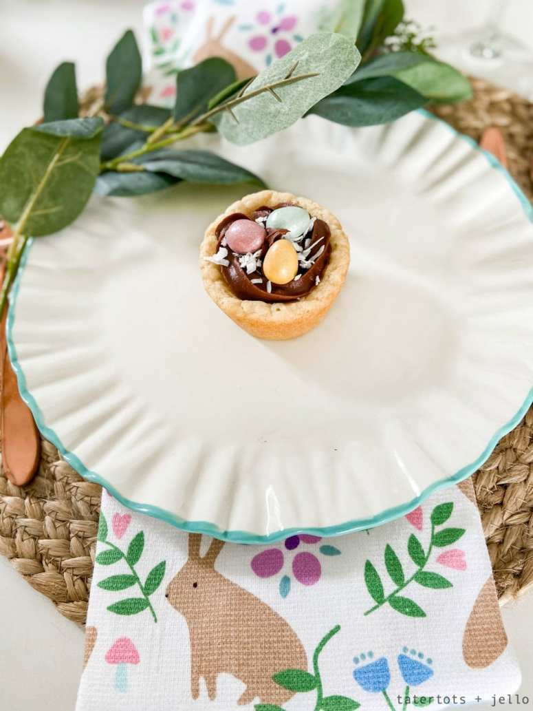 Bird's Nest Cookie Cups are fun to make and are the perfect dessert to make for Spring or Easter. Make them with your kids in three easy steps!