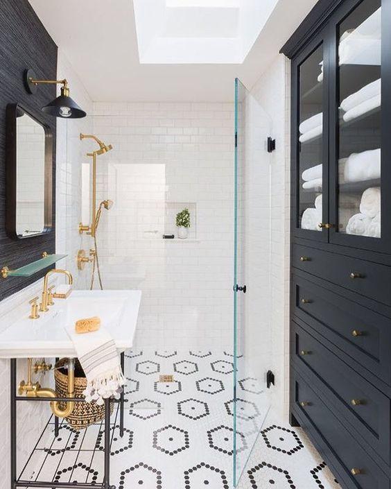 20 Modern Farmhouse and Cottage Bathroom Tile Ideas on Farmhouse Bathroom Tile  id=31207