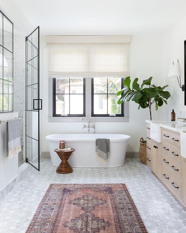 20 Modern Farmhouse and Cottage Bathroom Tile Ideas on Farmhouse Shower Ideas  id=68726