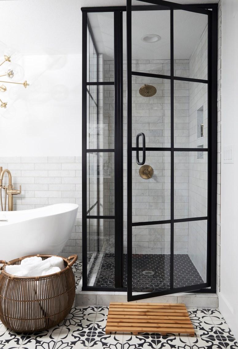 20 Modern Farmhouse and Cottage Bathroom Tile Ideas on Farmhouse Bathroom Tile  id=85652