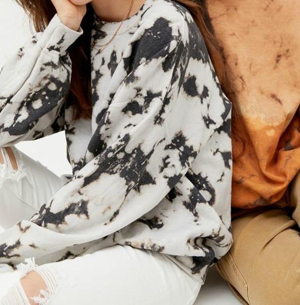 How to Bleach Dye Clothes