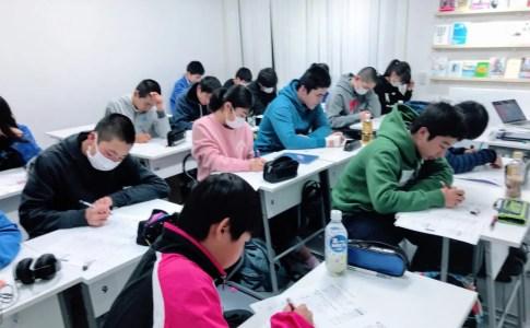 館山市の学習塾SLLの授業の様子