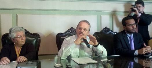 20120803-Tarso-Genro-coletiva-com-blogueiros-sobre-conselho-de-comunicacao