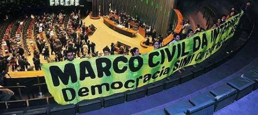 Marco Civil da Internet: democracia SIM, corporações NÃO. Imagem: EBC, facebook.com/ebcnarede