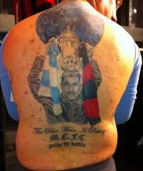 Le tatouage célébrant la victoire