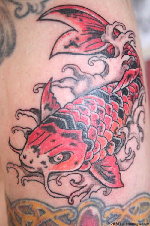 Le tatouage japonais tatouage poignet for Carpe koi japonaise