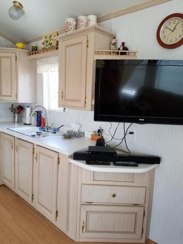 Kitchen_flatscreen