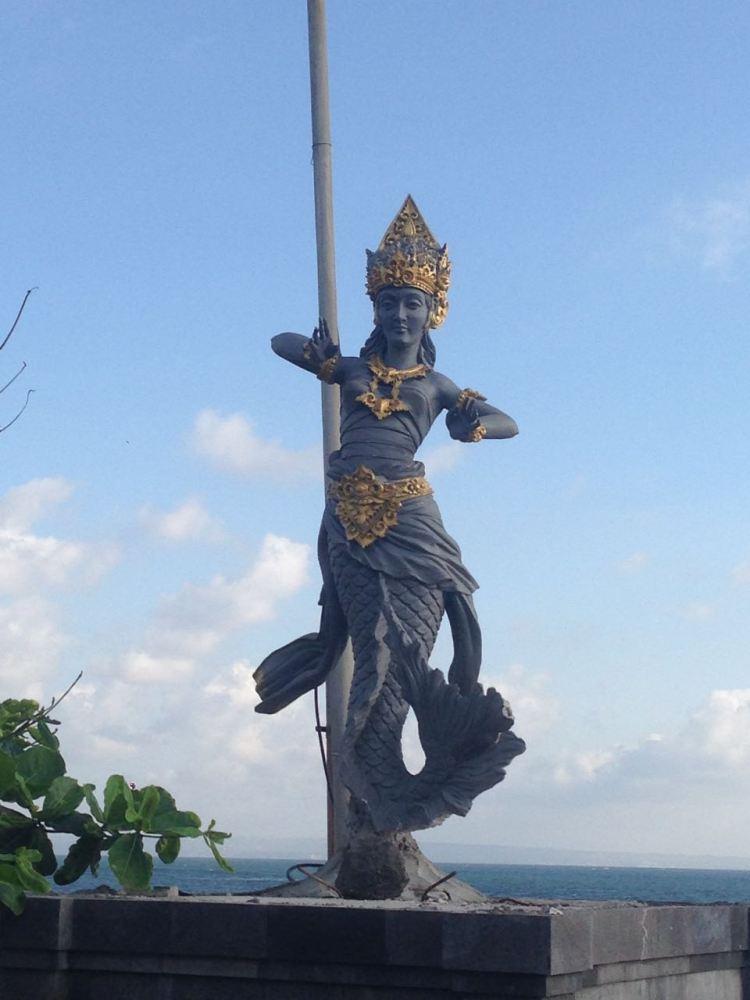 Mermaid statue Pererenan Beach Bali