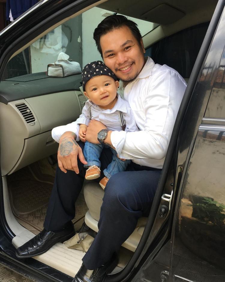 onal tattoo artist bali with kid