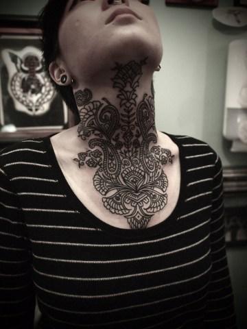Amazing neck tattoo