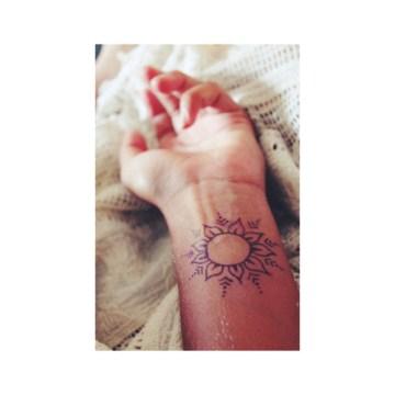 henna tattoo on wrist