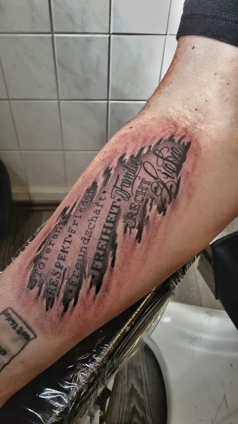 Urheberrecht Wem Gehört Ein Tattoo Tattoo Rechtde