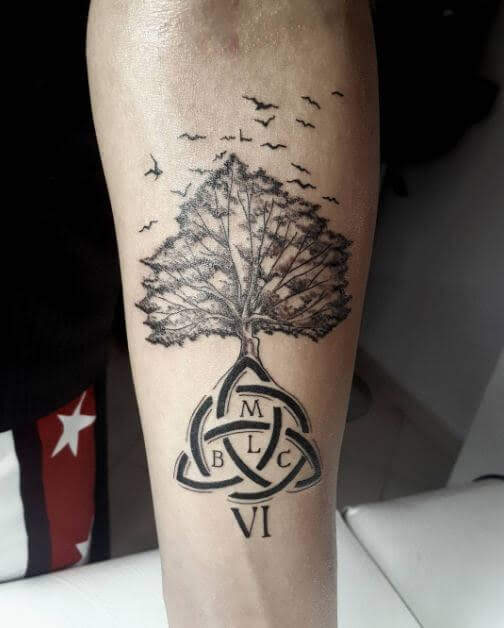Family_tattoos_67948496  80+ Amazing Family Tattoos with Meanings family tattoos 67948496