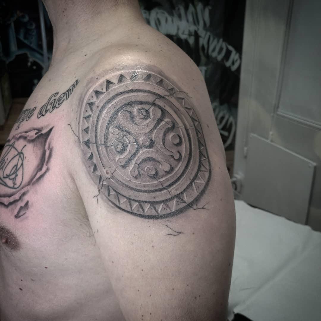 estela cantabra celta tatuaje tatuajes palencia tattoo