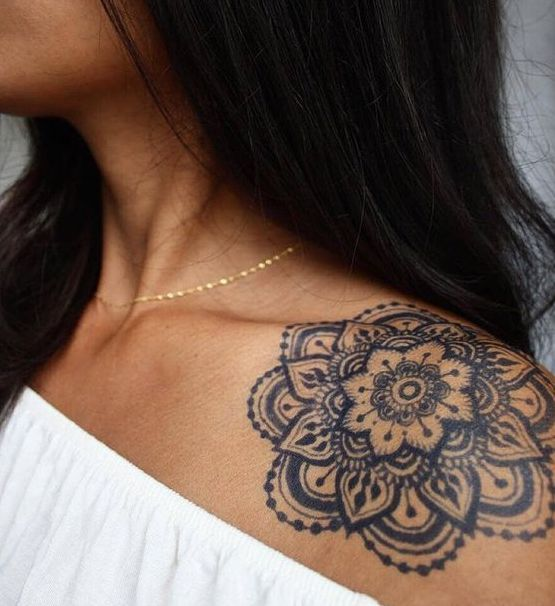 Tattoo sur l'épaule