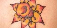 , Hommes : 30 dessins de tatouage jonquille charmants et paisibles  (En images)